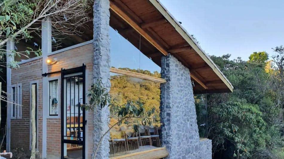 Casa na árvore para alugar no Airbnb