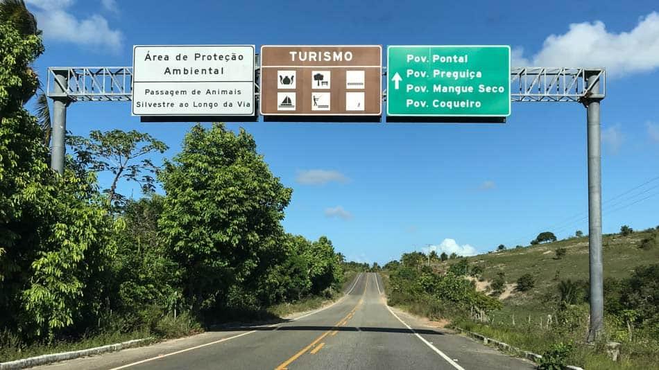 Conheça os melhores destinos do litoral norte da Bahia de carro