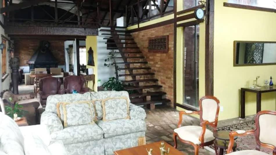 Casa para alugar perto de SP às margens da represa Guarapiranga