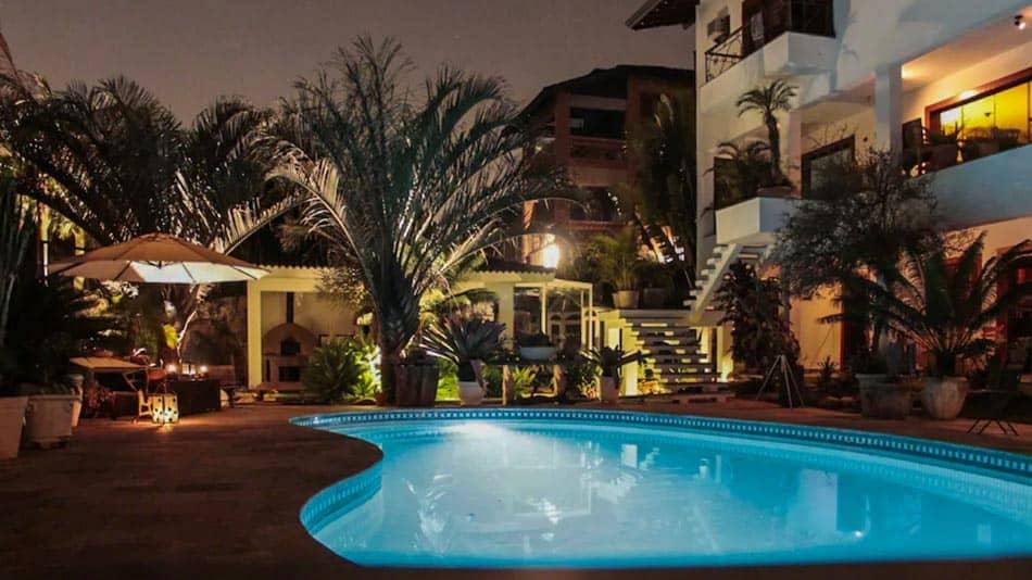 Alugar casa perto de SP com piscina e jardim