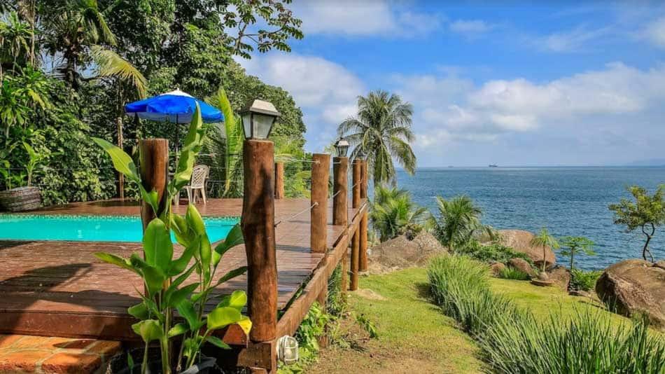 Casa para alugar em Ilhabela com vista para o mar na Costeira Sul