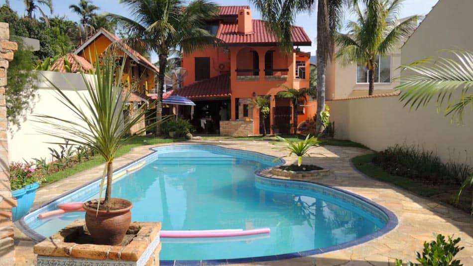 Casa para alugar no litoral norte de SP com piscina