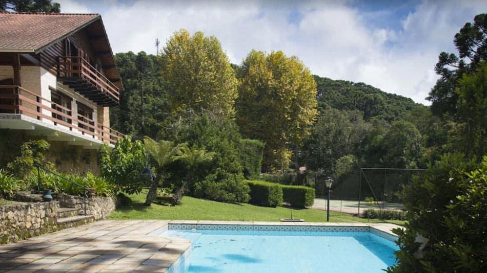 Casa com piscina para alugar em Monte Verde