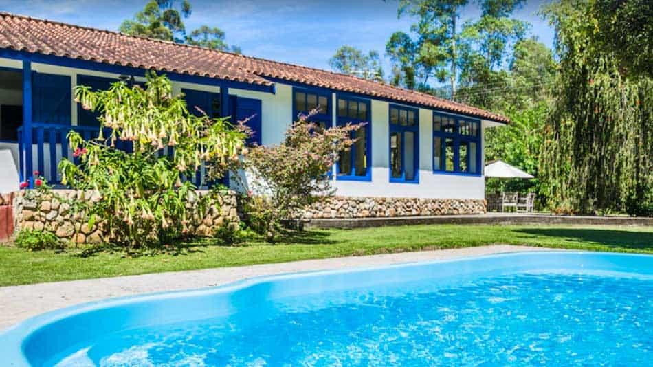 Sítio para alugar em Santo Antônio do Pinhal com piscina