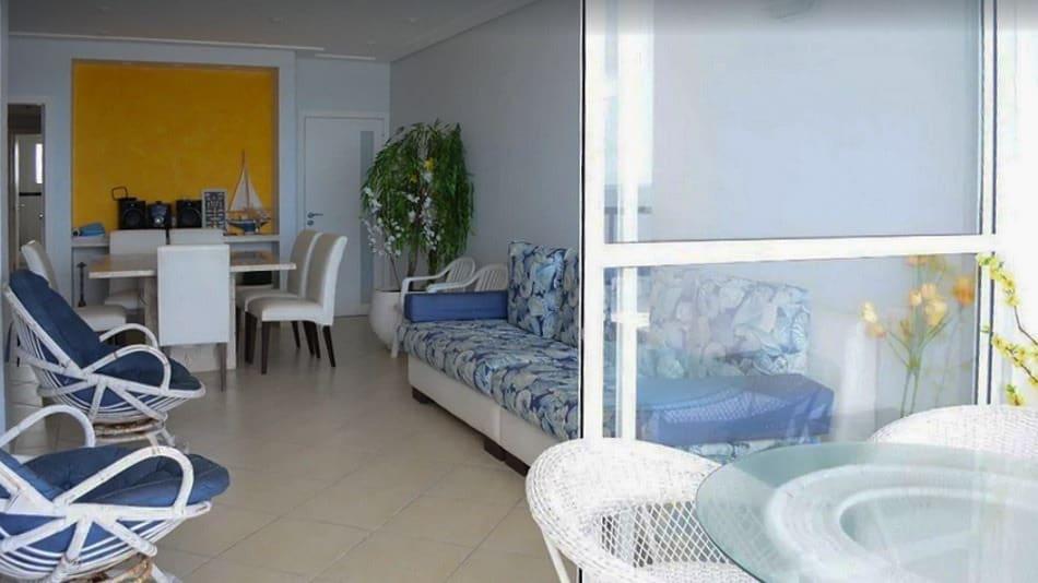 Apartamento para alugar no Guarujá com vista para o mar
