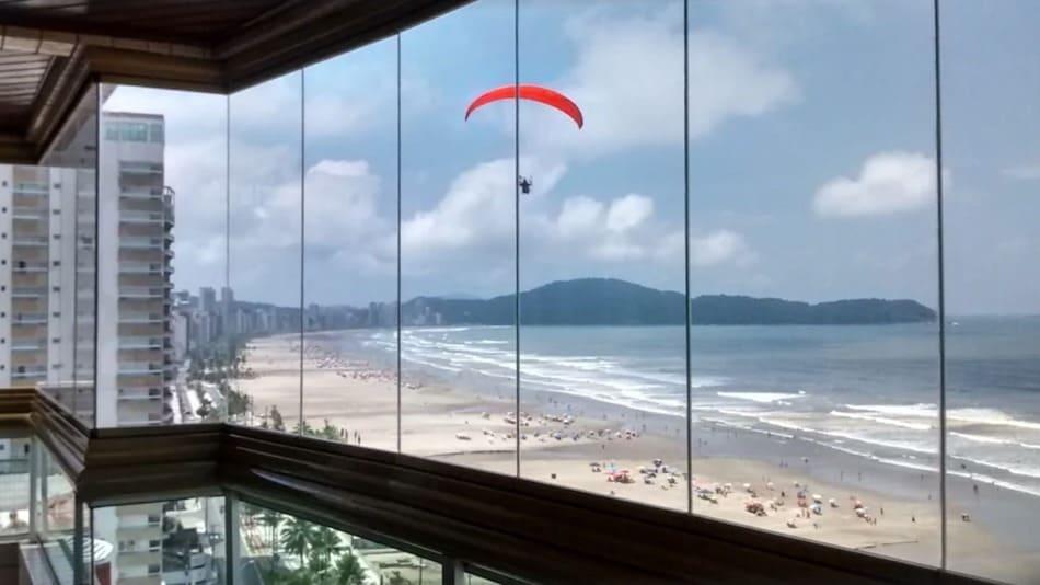 Apartamento para alugar na Praia Grande com churrasqueira