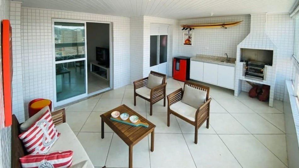 Apartamento para alugar na Praia Grande com varanda