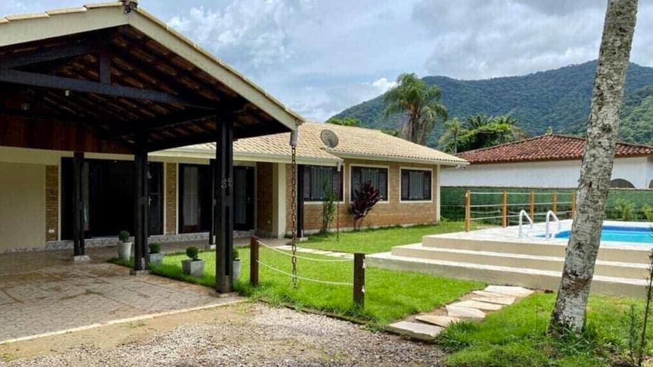 Casa para alugar em Ubatuba na Praia do Lázaro
