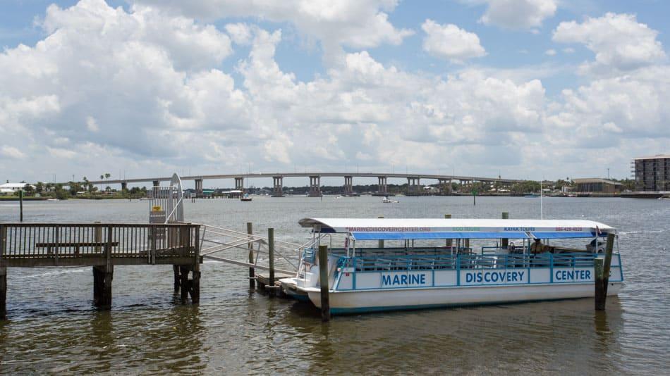 Passeio de barco na Indian River Lagoon, na Flórida