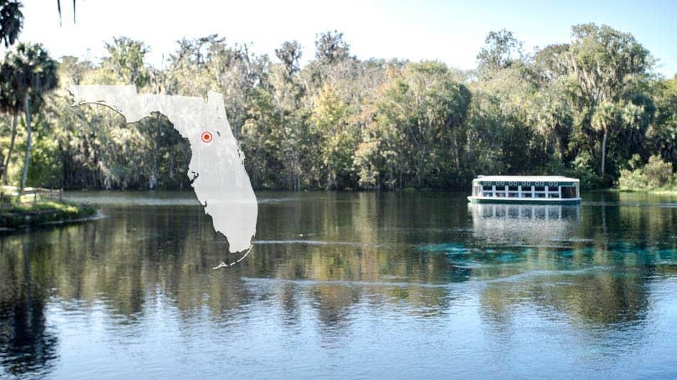 Passeio em barco com o chão de vidro em Silver Springs