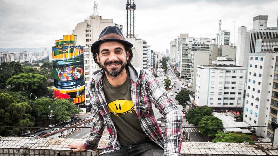O artista Eduardo Kobra em SP
