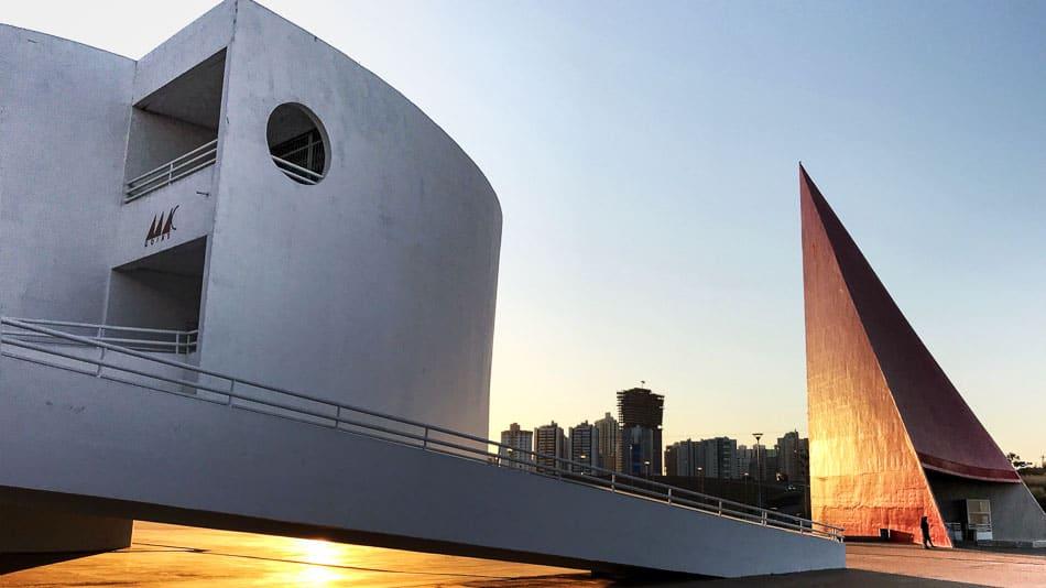 Centro Cultural Oscar Niemeyer no Jardim Goiás em Goiânia